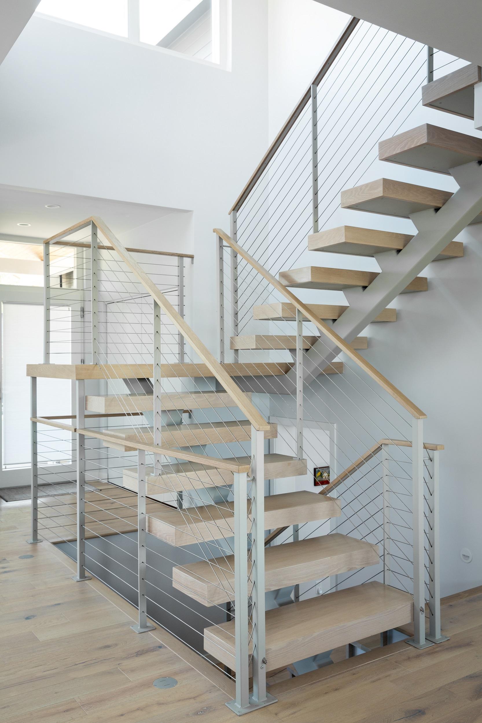 Locust-Stairwell - 2500