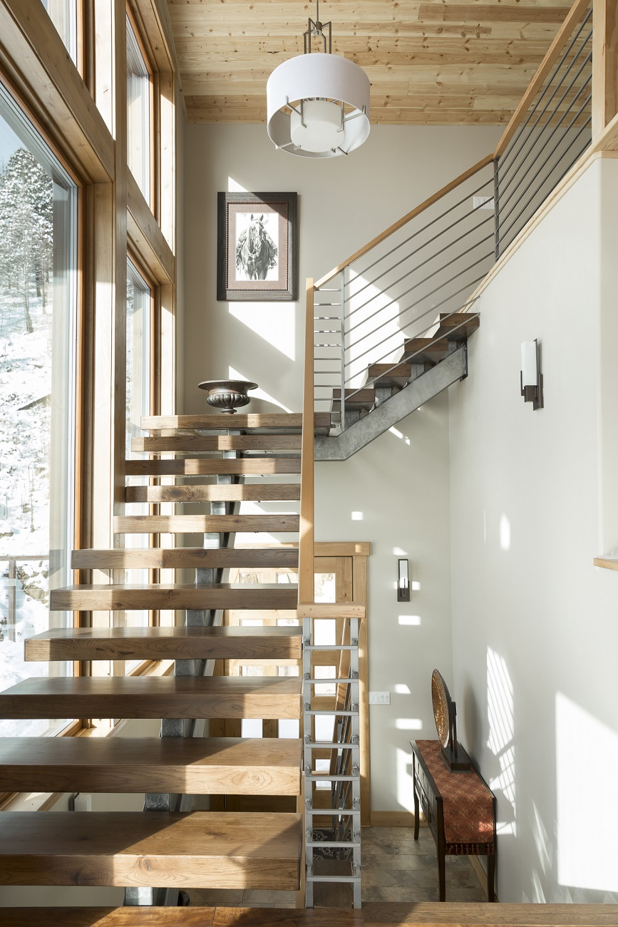 Sunshine Stairs to Loft 1300